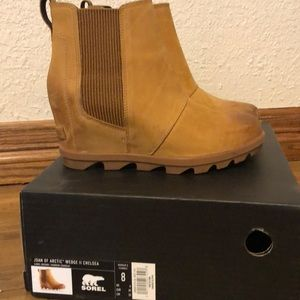 Sorel Chelsea Boots Size 8- Camel Brown
